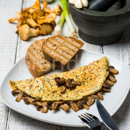 Omeleta s lesnými hubami