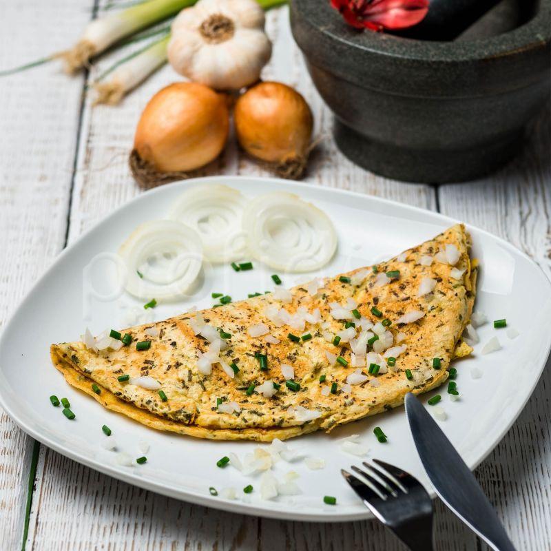 Omeleta cibuľová s príchuťou pažítky