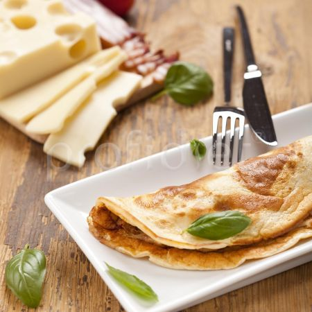 Omeleta s príchuťou slaniny a syra