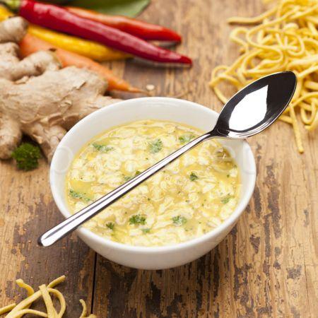 Rezancová polievka s príchuťou kura-karí