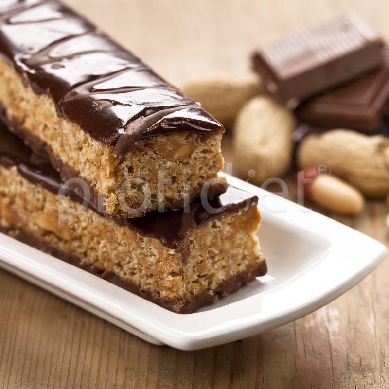 Chrumkavá tyčinka s príchuťou čokolády s arašidami